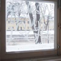http://anttiturkko.net/files/gimgs/th-17_TBA_tagi_ikkunassa.jpg